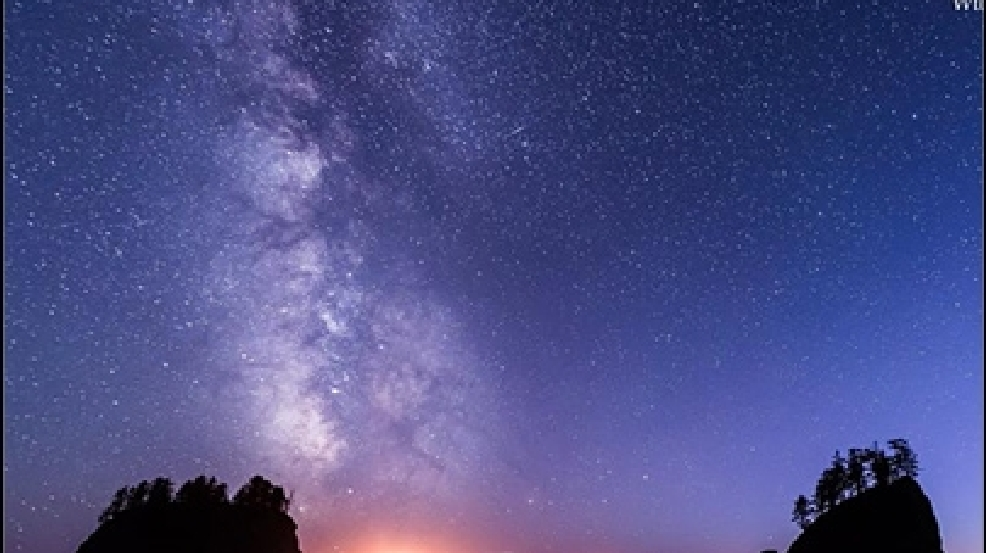Beautiful time lapse video of Milky Way galaxy over W. Washington